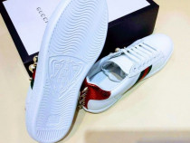 Adidasi /sneakers firmă ,diverse mărimi new model, saculet