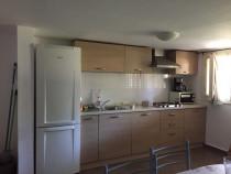 Inchiriez apartament cu 3 camere in zona Complex Studentesc