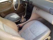 Interior c class an 2003