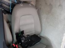 Interior a4 b8 textil gri