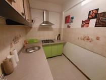 Inchiriez apartament o camera decomandat 40 mp Aradului