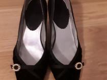 Pantofi negri eleganti comozi