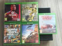 Xbox One impreuna cu 2 manete, 7 jocuri si volan + pedale