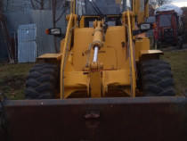 Buldo escavator komatsu