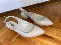 Pantofi COMOD roz pal - decupati in spate