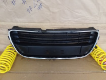 Grila radiator cu bandou cromat Peugeot 508 2011-2015