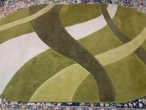 Covor verde oval