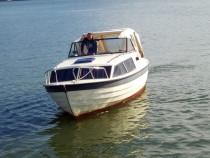 Barca cu motor inborder