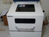 Incubator laborator