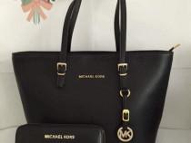 Set Michael Kors (portofel si geanta)logo metalic