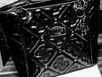 Geanta Guess model nou, accesorii metalice argintii