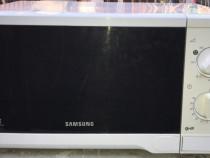 Cuptor microunde cu grill Samsung, 20 litri