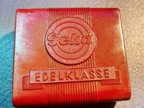 C404-I- Cutie Geha EDELKLASSE de panglică maro din bakelita.