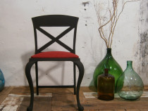 Scaun vechi din fonta, negru, designer italian Mobila/Metal