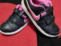 Adidași Nike mărimea 35