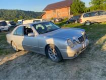 Mercedes E 200 benzina lovită