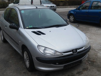 Peugeot 206,1200 cmc benzina,servo total,comenzi volan