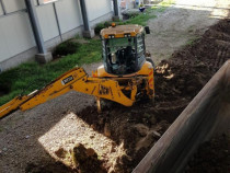 Inchiriere buldoexcavator JCB