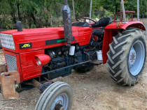 Tractor Universal 550 in 4 cilindrii!