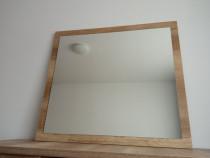 Oglinda pe cadru de lemn (90 X 80 cm)