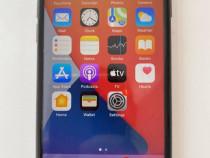 IPhone 8-64 GB cu 2 huse incluse