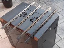 Rack profesional pentru echipamente audio-video.