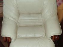 Canapea + 2 fotolii din piele naturală