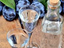Tuica de fructe (prune, pere), deosebit de parfumata