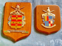 D38- Set 2 Aplice Armata Italia lemn cu metal emailat relief