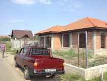 Executam constructii la rosu: case, hale industriale,garduri