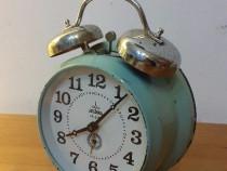 Ceas de masa Aradora