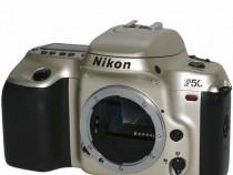 Nikon F50 pe film 35 mm