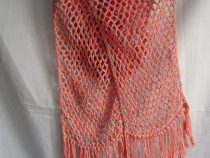 Eşarfă croşetată manual