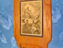 6425-Stativ vintage apa sfintita. Lemn, sticla si foto.