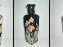 Vaza orientala portelan neagra cu motiv natural cu Flori