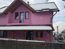 Casa cu mansarda central Dragomiresti, Maramures