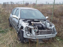 Dezmembrez Renault Clio 2003 1.2i 16V