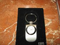 Ceas quartz,nou,ambalajul original,nefolosit,cadou deosebit