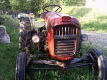 Tractor carraro cu cositoare