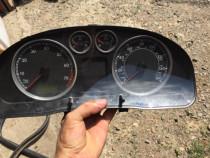 Ceasuri bord vw Passat 2.0 benzina