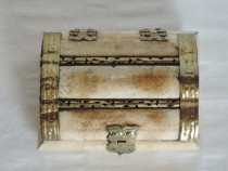 Cutie bijuterii lemn sidefat,10 x 8 cm