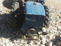 Tractoras 4x4 cu freza