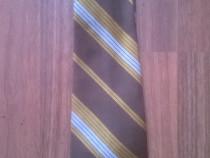 Cravata barbateasca maro cu dungi