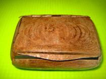 9778-Caseta mica tabac veche metal gravat 1900-1930.