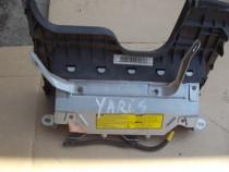 Airbag Toyota Yaris airbag genunchi 2005-2011 dezmembrez