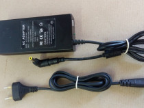 Incarcator laptop IN 11-14VDC / 220VAc OUT 19VDC 6A max