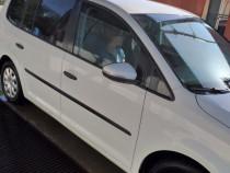 Volkswagen touran 2011 luna a 11