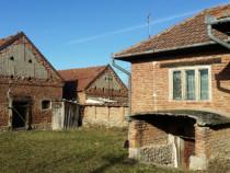 Casa si anexe+teren arabil 2000mp Sacel, Hunedoara