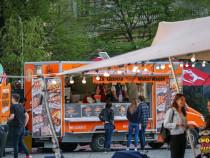 Lucrator comercial la food truck