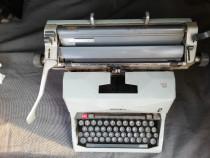 Mașina de scris Olivetti 82